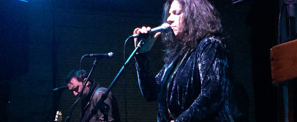 Sari Schorr at the mic